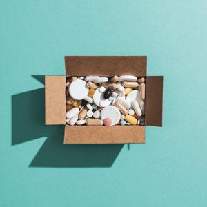 prescription-medicines-and-drug-abuse-ALPY5NX